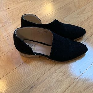Shoes - Side cut out flat